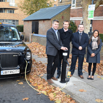 Siemens and ubitricity rollout first London GULCS EV charge points